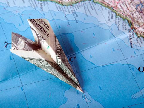 Самолетик из банкноты